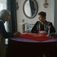 """Wątek wróżki i tarota w filmie """"Osiecka"""""""
